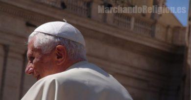 Benedicto XVI y la crisis eucarística-Marchandoreligion.es