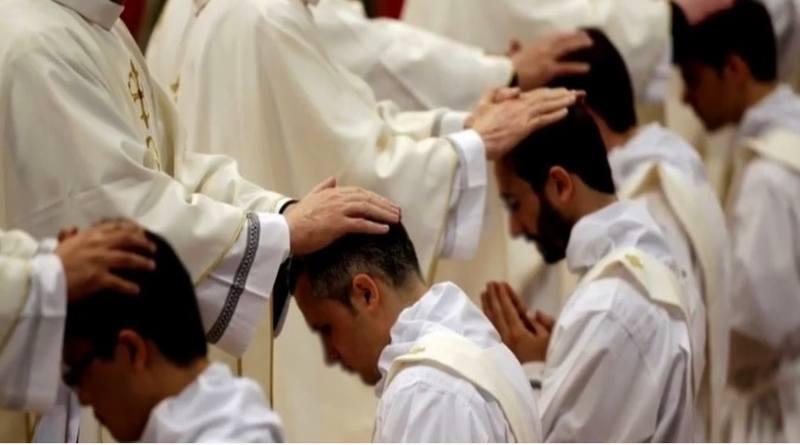 El celibato Sacerdotal-MarchandoReligion.es