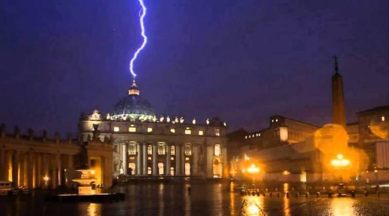 Un Papa hereje-MarchandoReligion.es