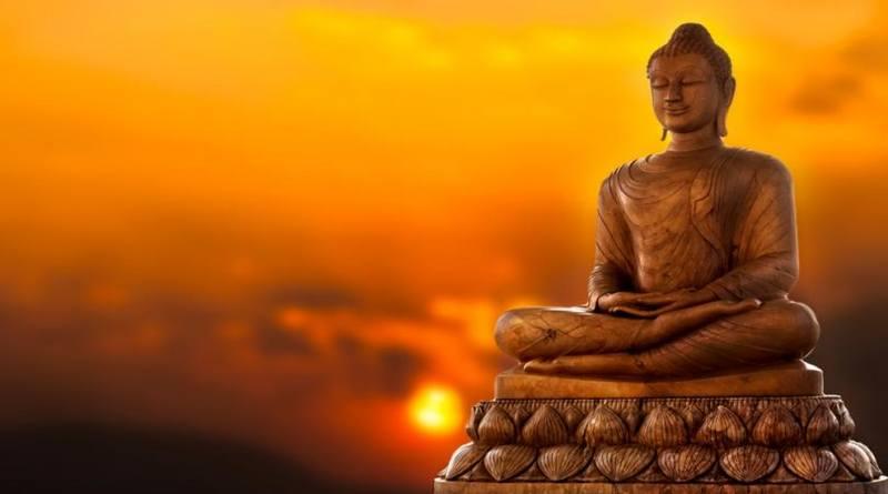 El Papa Francisco pide la bendición de un líder budista-MarchandoReligion.es