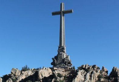 No permitiremos que derriben la Cruz del Valle de los Caídos-MarchandoReligion.es