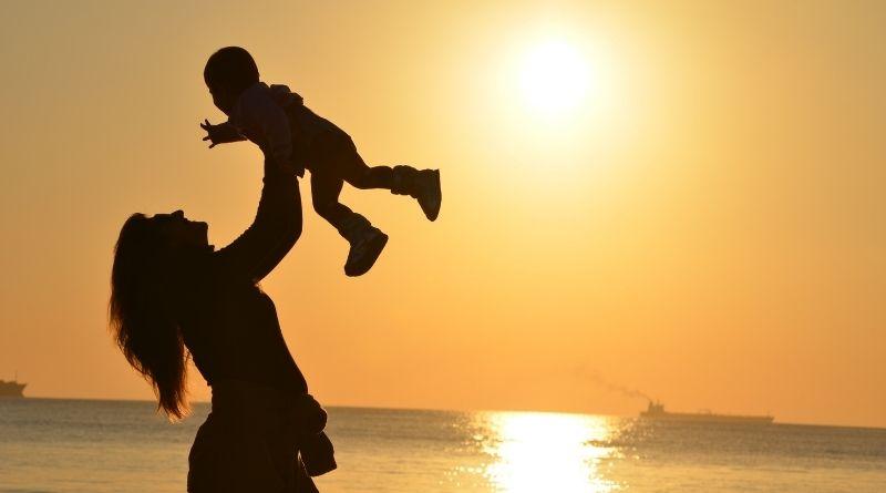 Breve catecismo de las madres Peligros de las madres para hijos e hijas-MarchandoReligion.es