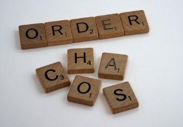 Orden vs caos-MarchandoReligion.es