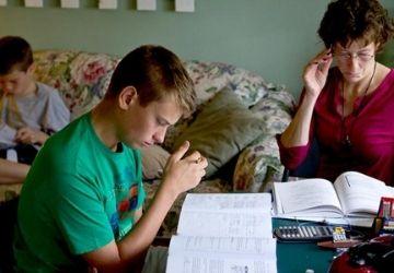 Salvando a nuestros hijos y a nuestra Iglesia Lo que tienen en común el educar en casa y el tradicionalismo-MarchandoReligion.es