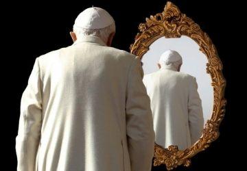 ¿Por qué habría organizado Benedicto una dimisión inválida?