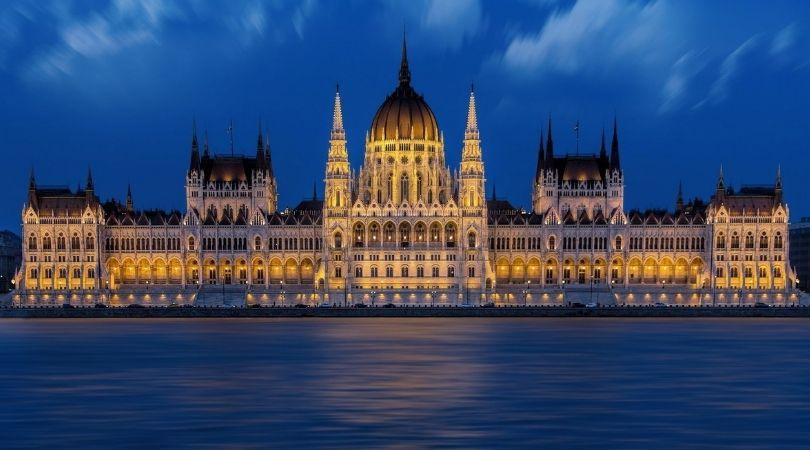 Les explico la ley húngara para la protección de la infancia y por qué está siendo atacada-MarchandoReligion.es